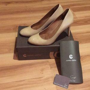 Corso Como Del Round Toe Patent Leather Pump